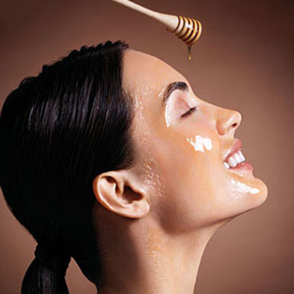 Honey-mask-moisturize-the-skin-natural-skin-moisturizer